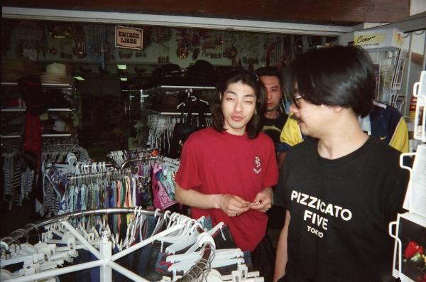 22_clothes_shopping