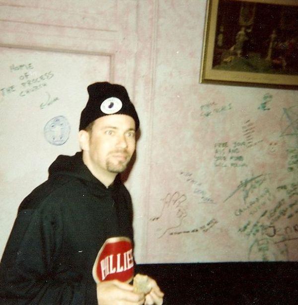 08.Mark_Backstage