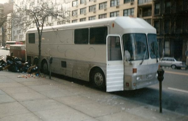 15.USA_Tourbus._NY_Before_the_Big_Clean_Up.