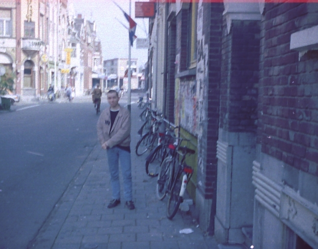 29_Der_Peter_in_Front_of_Martinusstraat_-_Limbabwe